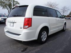 Car 2012 Dodge Grand Caravan Crew