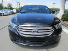 Car 2013 Ford Taurus SEL