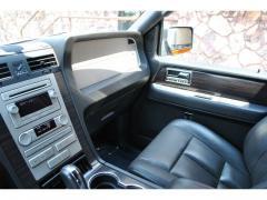 Car 2007 LINCOLN Navigator L