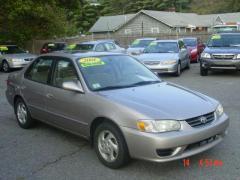 2001 Toyota Corolla 4dr Sdn LE Auto