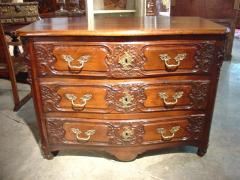 Walnut Wood Commode, 18th Century