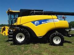 2009 New Holland CR9040 Combine
