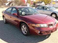 2002 Pontiac Bonneville SE Car