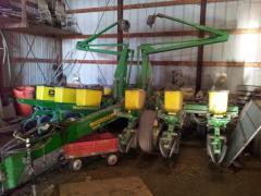 1997 John Deere 1760 - Planting & Seeding