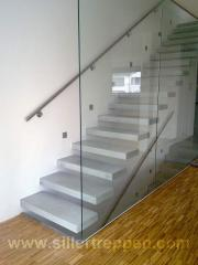 Cantilevered concrete stair