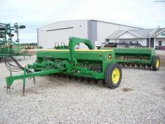 John Deere 8300(S) - Planting & Seeding -