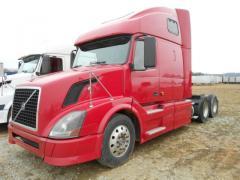 2006 Volvo VNL 670 truck