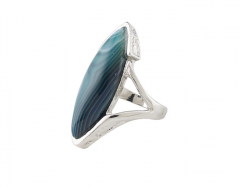 Pointed Form Natural Agate Ring