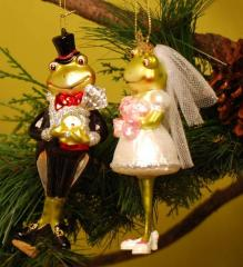 Bride & Groom Frog Ornaments