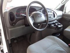 Car 2008 Ford Econoline E-350 Super Duty
