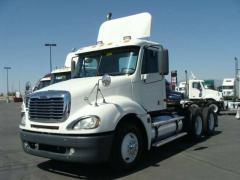 2005 Freightliner COLUMBIA Truck