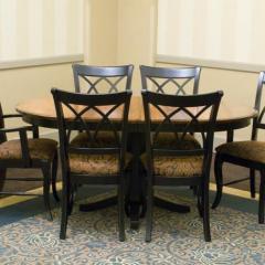 Romeo Customizable Oval Single Pedestal Table