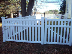 Crown Closed Top Picket Fence