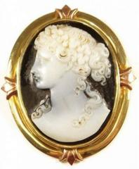 Antique hard stone cameo brooch