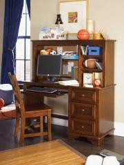 Deer Run Youth Computer Desk and Hutch
