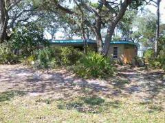 Bay or ocean frontage, Waterfront property