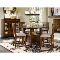 Hollister Pedestal Table Dining Room Group