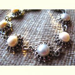 Gunja Pearl and Silver Bracelet