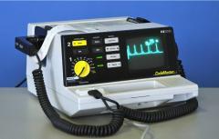 Defibrillator / monitor, portable