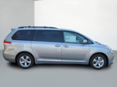 2013 Toyota Sienna LE V6 8 Passenger Van Passenger