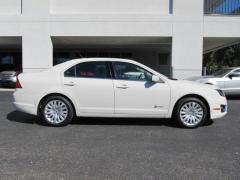 Ford Fusion Hybrid Hybrid FWD Sedan Car