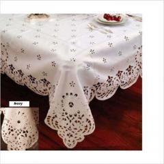 Violet Linen Daisy Design Tablecloth