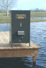 425 lb Capacity Fish Feeder