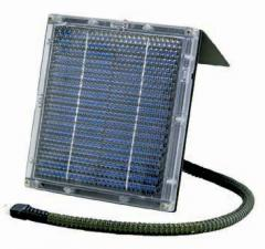 12 Volt Solar Charger - Fits Any Feeder