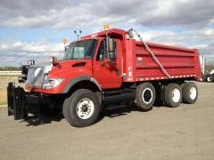 2004 International 7600 Truck