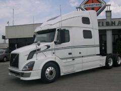 2009 Volvo VNL64T780 Truck