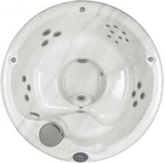 Sundance® Denali Hot Tub