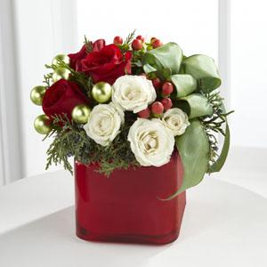 The FTD® Merry & Bright™ Bouquet B14-4356