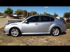 Subaru Legacy 2.5i Premium Car