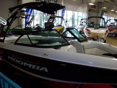 2013 Power Ski and Wakeboard Boat  MOOMBA OUTBACK