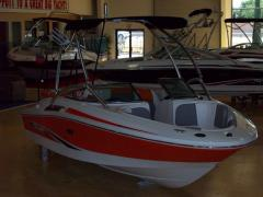 2011 Power Runabout Sea Ray 195 Sport Boat