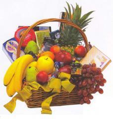 Classic fruit gourmet basket