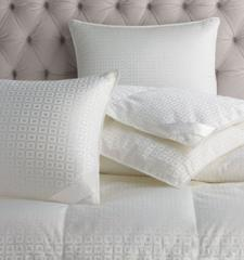 Luxembourg Queen Medium Pillow