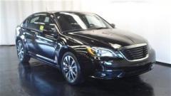 Chrysler 200 4dr Sdn Limited Car