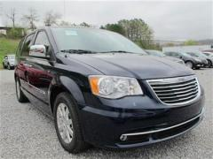 Chrysler Town & Country 4dr Wgn Touring-L Car