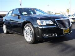 Chrysler 300C 4dr Sdn V8 300C AWD Car