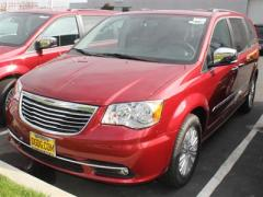 Chrysler Town & Country Touring-L Car