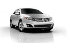 Lincoln MKS AWD w/ EcoBoost Car
