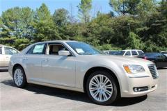 Chrysler 300 Limited Car