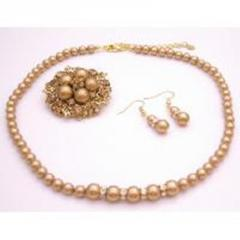 Jewelry fine handcrafted swarovski pearls