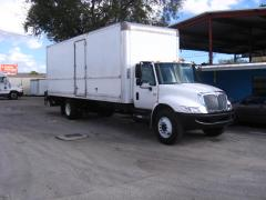 2007 International 4300 Truck with Liftgate