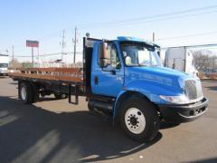 2007  International  4300 22' Flatbed Truck