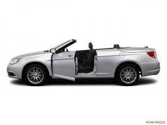 Chrysler 200 2dr Conv Limited Car