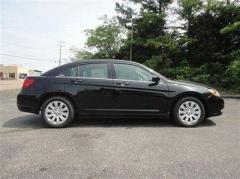 Chrysler 200 4dr Sdn LX Car