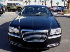 Chrysler 300C Luxury Series Car