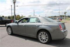 Chrysler 300C 4dr Sdn V8 Luxury Series RWD Car